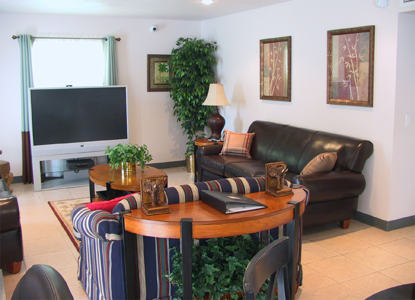 Villa Court Front Room Seating Tv Area Nw Corner Villa Court Assisted Living Facility